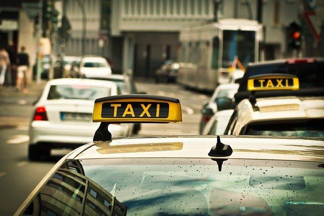Réserver un taxi à Nantes: comment faire?